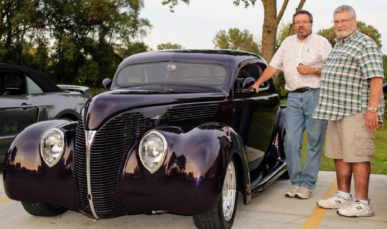 Dave McEchron & Tom Saelens' 38 Ford Deluxe